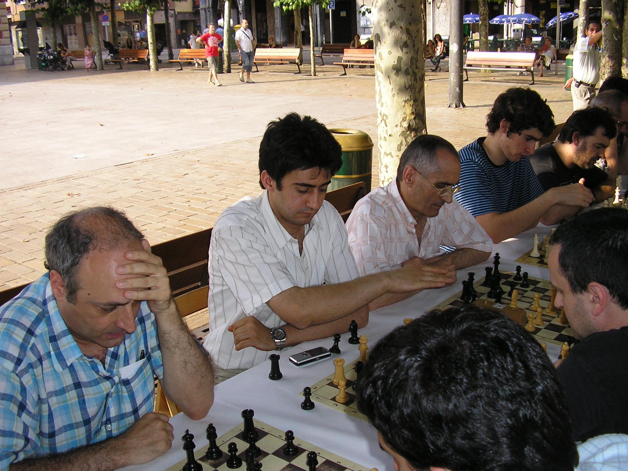 José Luis Amado (3º por la izq) en el Memorial Kruzeta del año 2006
