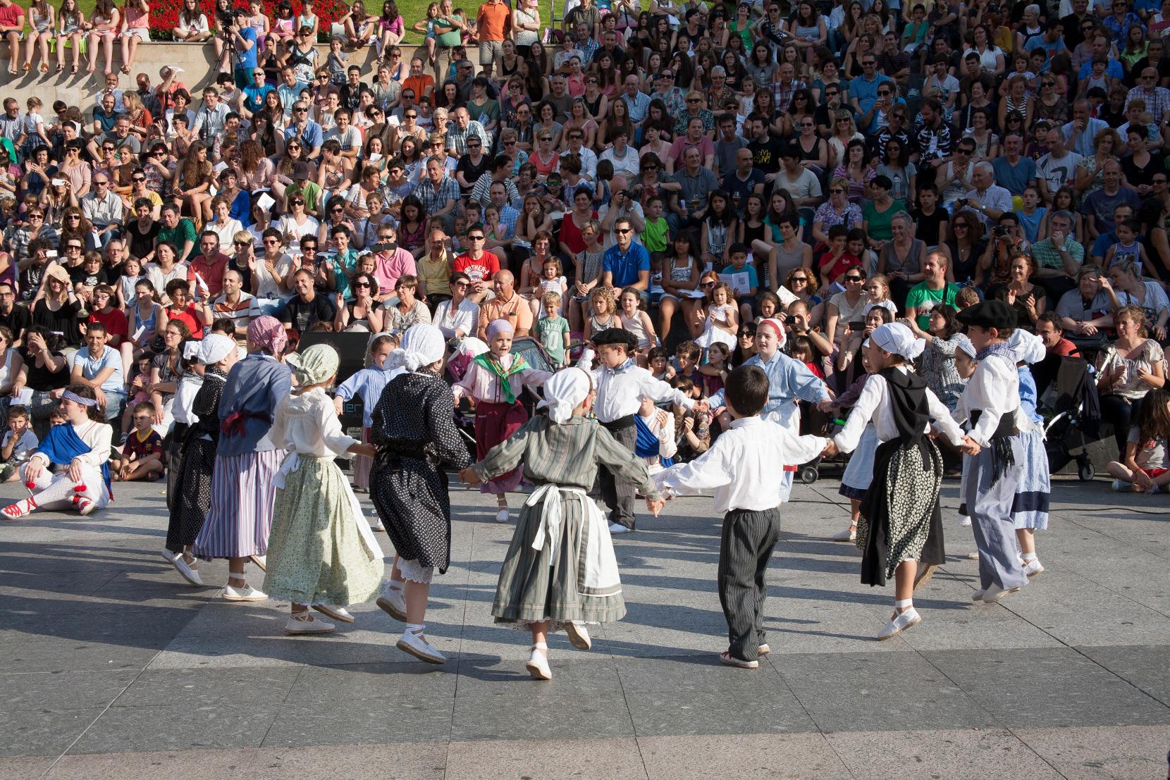 2014-06-13_dantzari-eguna_Eibar_FL_5061_1660p